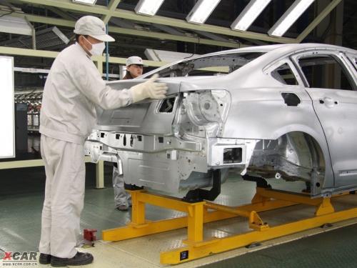 ...工厂   在动力总成方面,神龙公司在襄樊建设了全新的发动机和... (11)