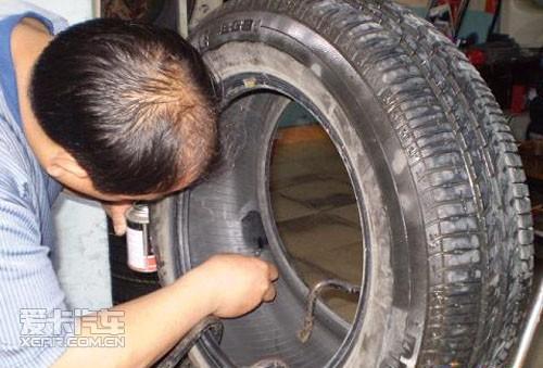补胎常用的两种方法_爱卡汽车